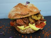 Vegetarischer Pulled Pork Burger
